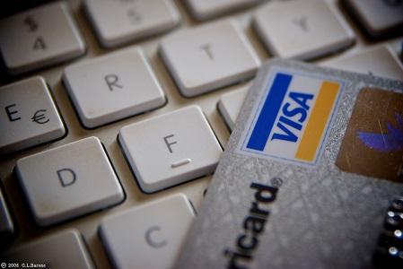 Mengamankan Kartu Kredit dari Kejahatan dan Penipuan