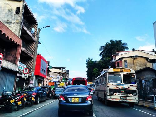 Foto jepretan Xiaomi Redmi 3 suasana kota tengah hari