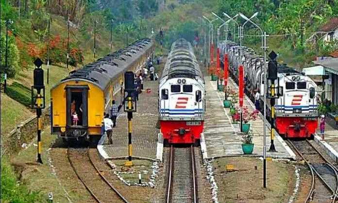 tips nyaman mudik naik kereta api bareng anak
