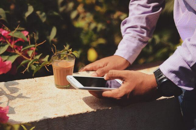 Cara Beli Paket Data Tanpa Perlu Keluar Rumah